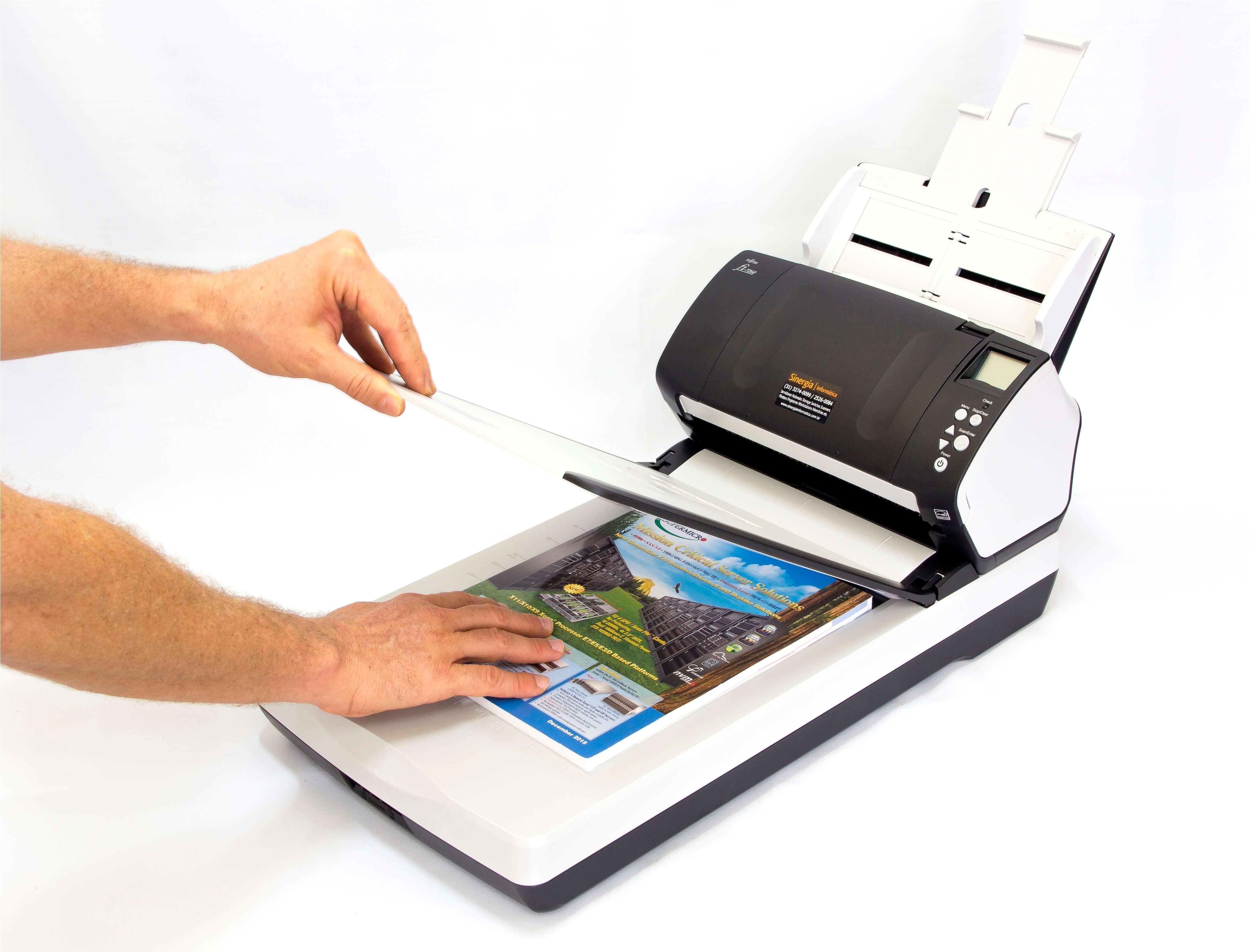 fi-7260 Scanner Fujitsu foto com uso do Flatbed