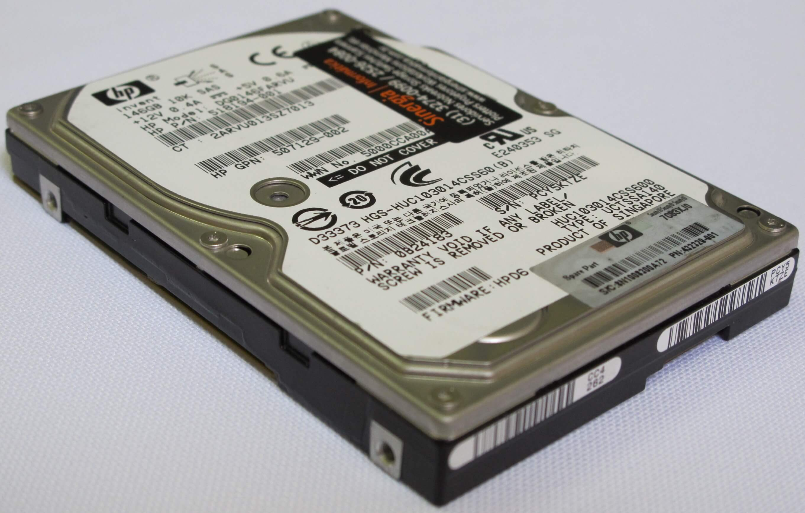 HDD 146GB SAS 10K 518194-001 e 507129-002 foto close lateral esquerda