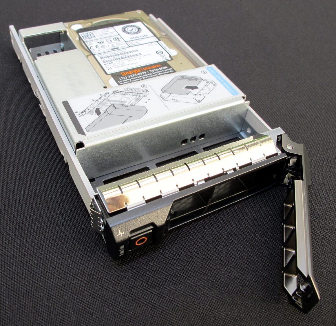 """DEAG00DAA51 Toshiba 600GB SAS 12 Gbps HD para Servidor 15,000 RPM SSF (3.5"""") HDD AL13SXB60EN"""